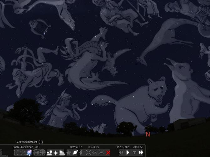 Stellarium med stjärnbilds-bilder på himlavalvet.